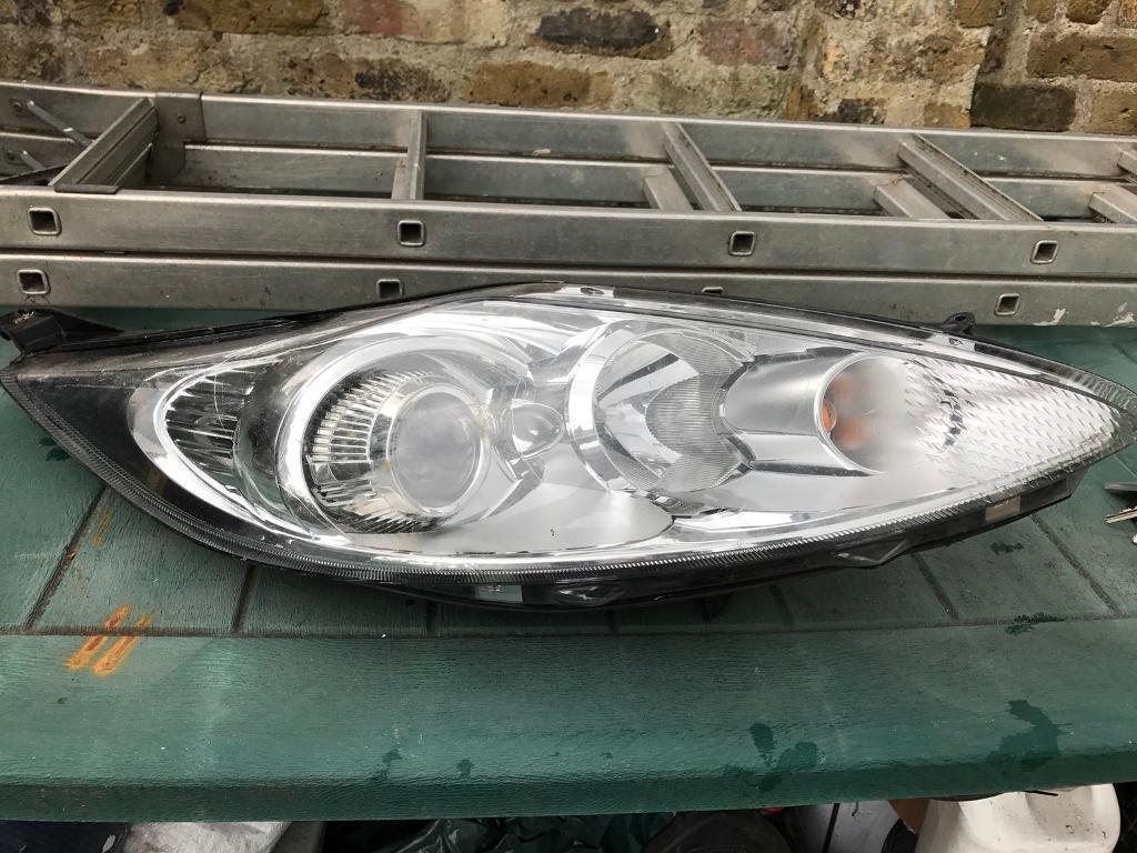 Fiesta mk8 headlight