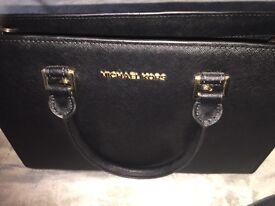 Michael Kors Black Large Selma Handbag