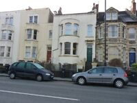 Delightful Large and Sunny Newly Decorated 2 Bed Flat in Southville near Harbourside with Courtyard