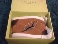 BNIB Mens Ted Baker size 11 suede mid tops