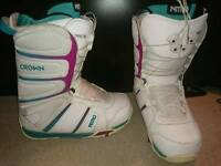 Womens Nitro Snowboarding Boots size 6-6.5