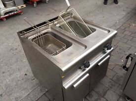 TWIN TANK GAS FRYER CATERING COMMERCIAL KITCHEN