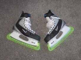Ladies Ice Hockey Skates - Size 6.5 - Nike - with Guards