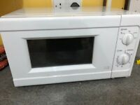 Microwave + kettle in very good condition
