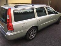 Volvo v70 estate 2006 turbo diesel gold