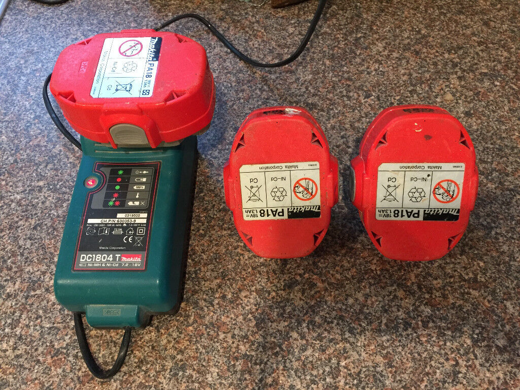 makita 18v drill battery charger and 3 x pa18. Black Bedroom Furniture Sets. Home Design Ideas