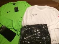 Nike park full team kit