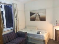 LARGE SINGLE ROOM AVAILABLE NOW ALL BILLS INCLUDED