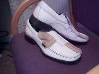 BEN SHERMAN , THE BUSINESS EDITIONS , LIMITED EDITIONS , SIZE 11 MENS LOAFERS , RETRO STYLE . WOW