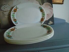 pyrex steak plates carnival pattern good condition