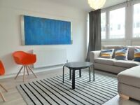 Spacious Split Level 4 Bed Flat Short Walk Away From Clapham Junction Station & Local Amenities