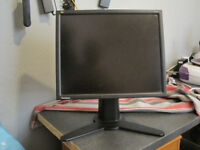Viewsonic 17 inch LCD monitor