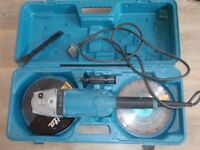Makita angle grinder ga9020 240V. Used once. Excellent condition. With carry case