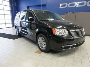 2016 Chrysler Town & Country TOURING-L DVD/SUNROOF