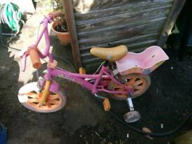 Girls bike with stabelisers fully serviced ready to use