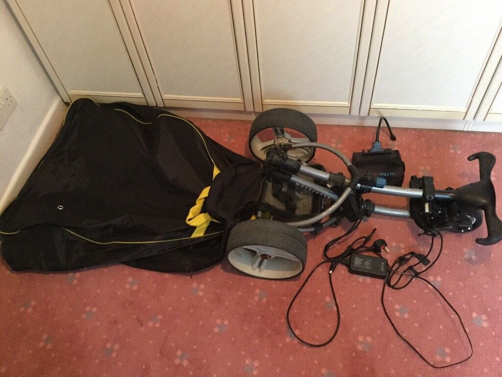 S3 Motocaddy Electric Golf Trolley with cart bag