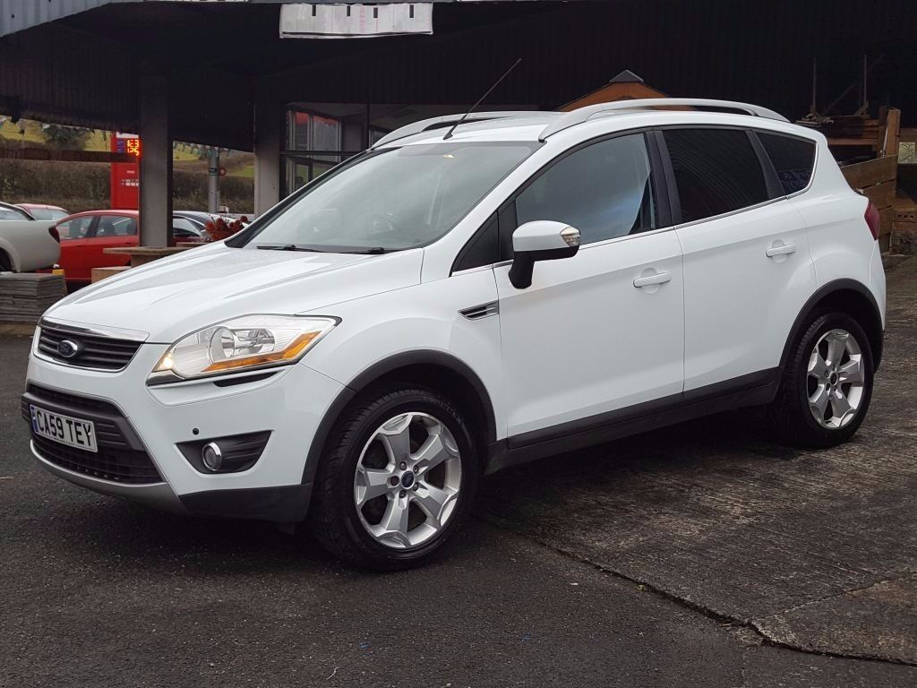 2010 ford kuga zetec 2 0tdci recent service new mot drives faultlessly in ice white in. Black Bedroom Furniture Sets. Home Design Ideas