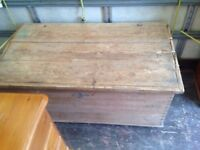 VICTORIAN BLANKET BOX IN SOLID PINE ,,,NEEDS T.L.C DAMAGED LID ,,BARN FIND ,,FREE LOCAL DELIVERY