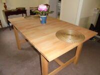 Ikea BJURSTA extendable dining table in new condition 90x152 cm/90x209 fully extended