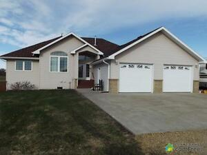 $659,900 - Acreage / Hobby Farm / Ranch for sale in Leduc County
