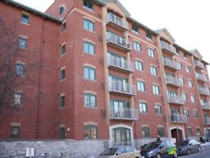 $324,900 - Condominium for sale in Kingston