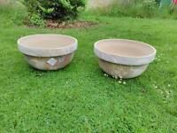 2 x terracotta garden pots.