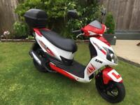 Sym Jet 4 -125cc ( looks like new )