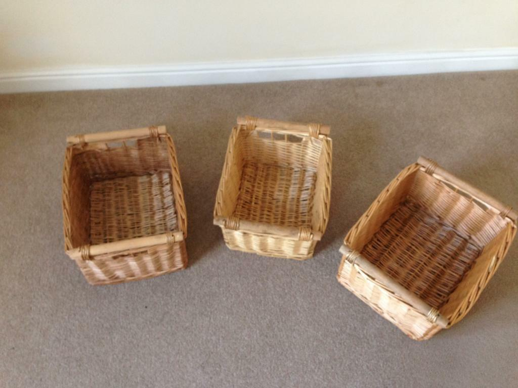Set Of 3 wicker storage baskets / great for x-mas hampers