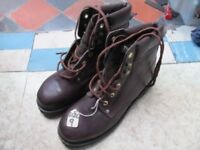 BROWN STEEL TOE CAP THINSULATE WORK BOOTS (SIZE 9)