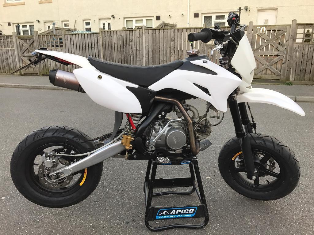 demon x d link road legal supermoto pit bike 125cc. Black Bedroom Furniture Sets. Home Design Ideas