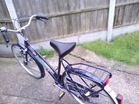 ladies ducth style bicycle very good condition