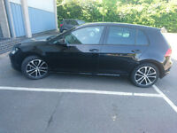 VW GOLF MK 7 AUTO WITH SUPERB EXTRAS, METALLIC BLACK, ONE OWNER, FULL MAIN DEALER SERVICE