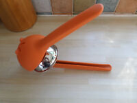 Chef'n VINTAGE ORANGE Fresh Force Lime Squeezer Manual Lemon Lime Squeezer