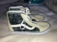 Vans boots