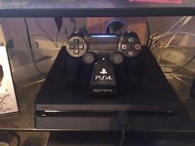 PS4 slim 500gb 10 digital games