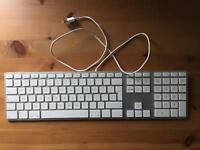 Wired Apple keyboard with number pad