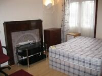 Double room in Chiswick, Wavendon avenue, W44NT