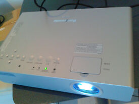 Panasonic PT-LB75Projector - Very Bright Image! 2600 ANSI Lumen Brightness!