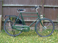 "PASHLEY SOVEREIGN 24.5"" MENS BIKE IN GREEN. AS NEW. USED ONLY A FEW TIMES. WITH ITS KEYS + PAPERWORK"