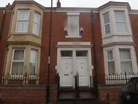 3 bedroom flat in Wingrove Avenue, Fenham