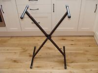 Stagg adjustable height stand