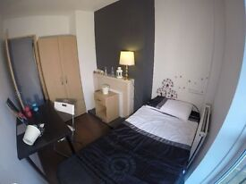 Bargain Price! Single in the Heart of Camden Town!