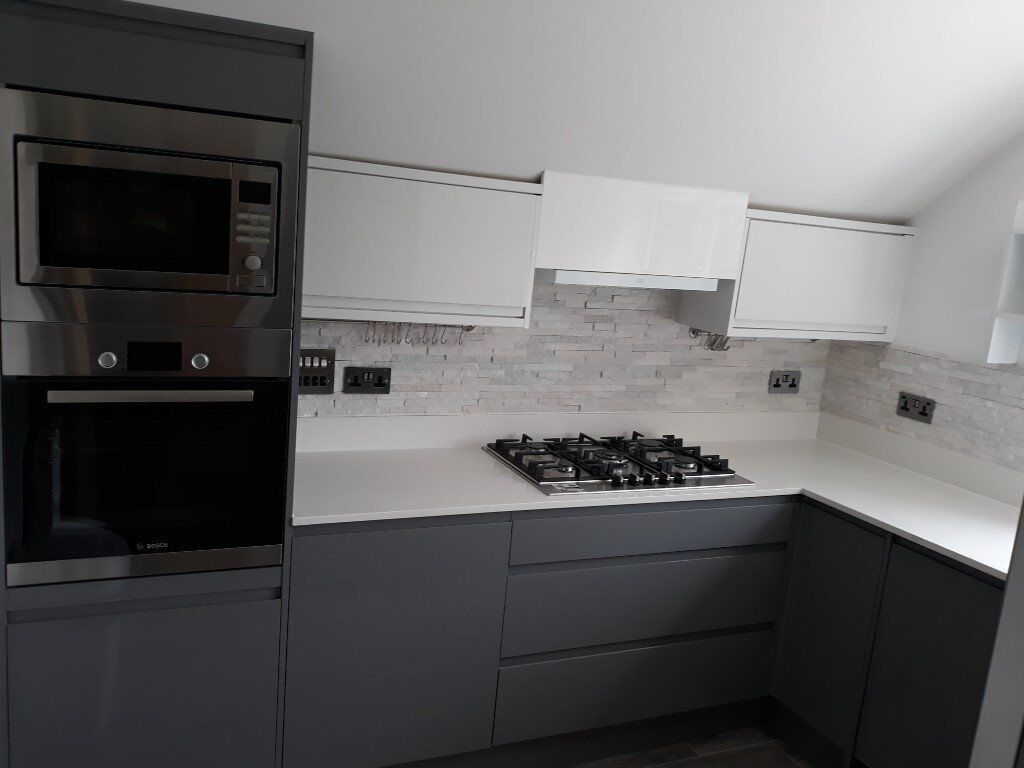 Newly redecorated to high standards Spacious first floor 4 bedroom maisonette for rent - SL21HN