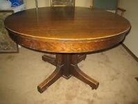 Round Oak Antique Table with Leaves