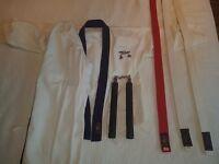 Childs unisex Jujitsu Gi, 3 belts and training nunchucks