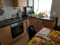 5 bedroom ground floor flat situated within 10 minutes walk from Turnpike Lane tube London N8