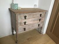 Vintage Oak 1920s chest of drawers on castors