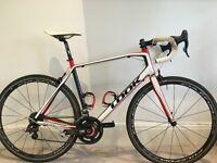 Look 566 carbon road bike (57cm) with Power2Max power meter