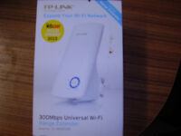 WI-FI EXTENDER NEW BOXED ONLY TAKEN OUT OF BOX TO CHECK THAT IT WORKS