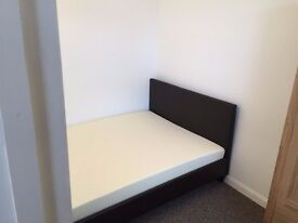 Plaistow 2 bed Flat (open plan living room)
